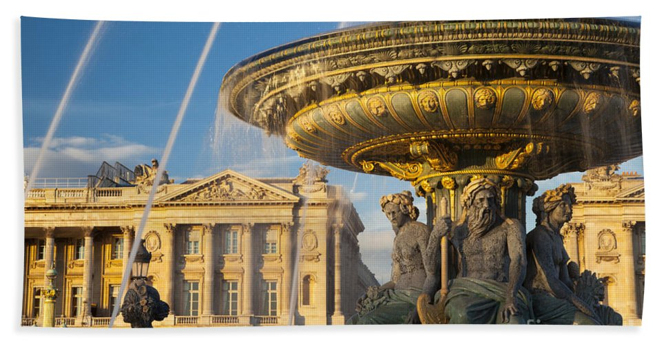 Architectural Hand Towel featuring the photograph Paris Fountain by Brian Jannsen