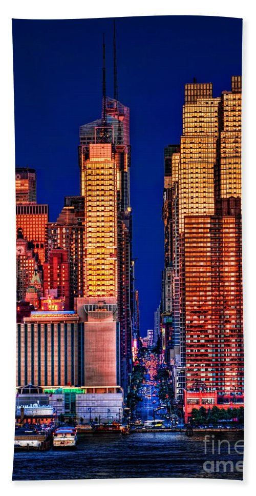 42nd Street Bath Sheet featuring the photograph 42nd Street by Susan Candelario
