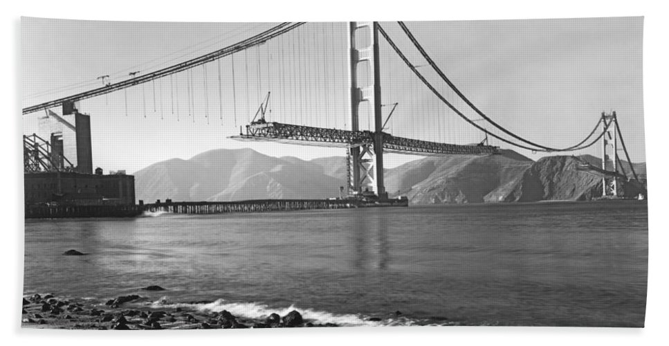 1937 Hand Towel featuring the photograph Golden Gate Bridge by Underwood Archives