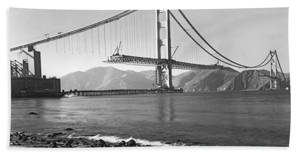 1937 Bath Towel featuring the photograph Golden Gate Bridge by Underwood Archives