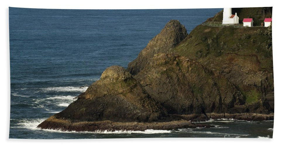 Heceta Head Lighthouse Hand Towel featuring the photograph Heceta Head Lighthouse by John Shaw