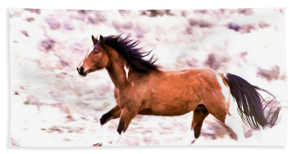 Horses Bath Sheet featuring the photograph Chasing Freedom by Athena Mckinzie