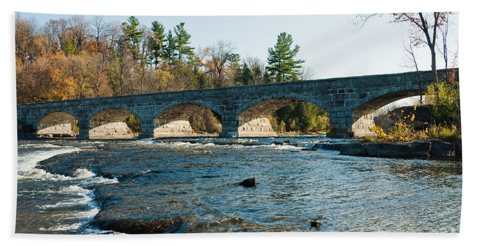 Stonebridge Hand Towel featuring the photograph 5-span Bridge by Cheryl Baxter