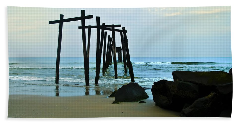 59th Street Pier Ocean City Hand Towel featuring the photograph 59th Street Pier Ocean City  by Bill Cannon