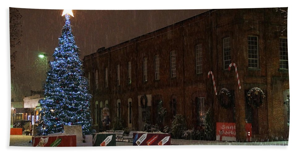 Christmas Hand Towel featuring the photograph 5th And G At Christmas 2012 by Mick Anderson