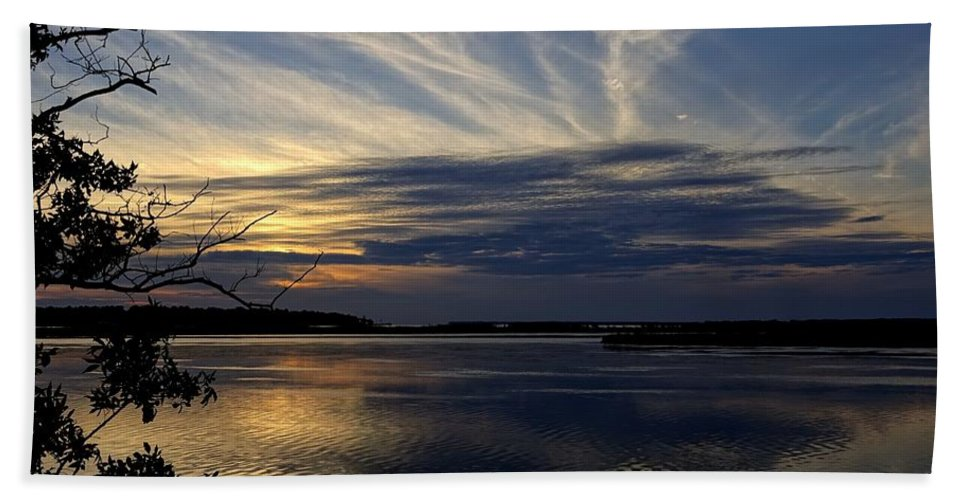 Obx Hand Towel featuring the photograph An Outer Banks Of North Carolina Sunset by Richard Rosenshein