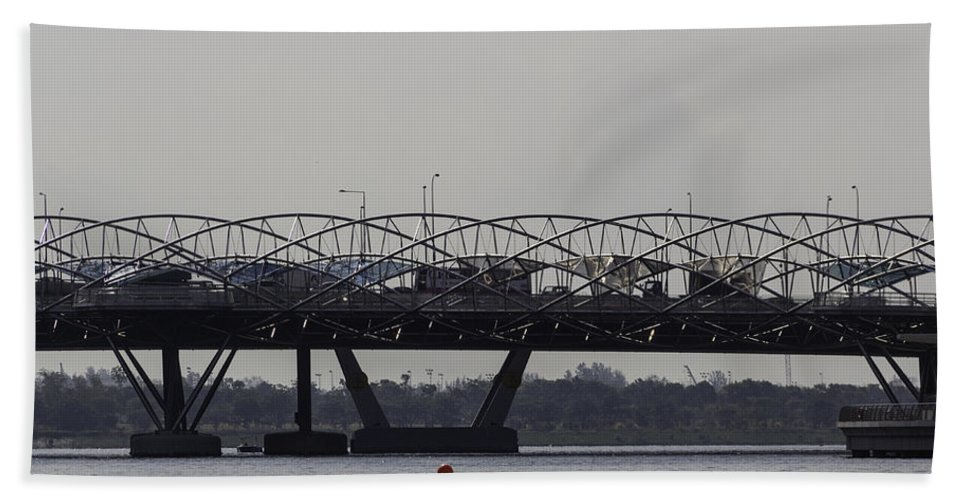 Asia Bath Sheet featuring the photograph Helix Bridge And Road Bridge Next To Each Other In Singapore by Ashish Agarwal