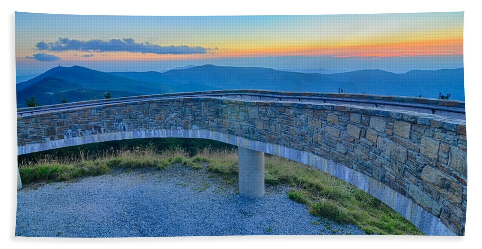 State Hand Towel featuring the photograph Top Of Mount Mitchell Before Sunset by Alex Grichenko