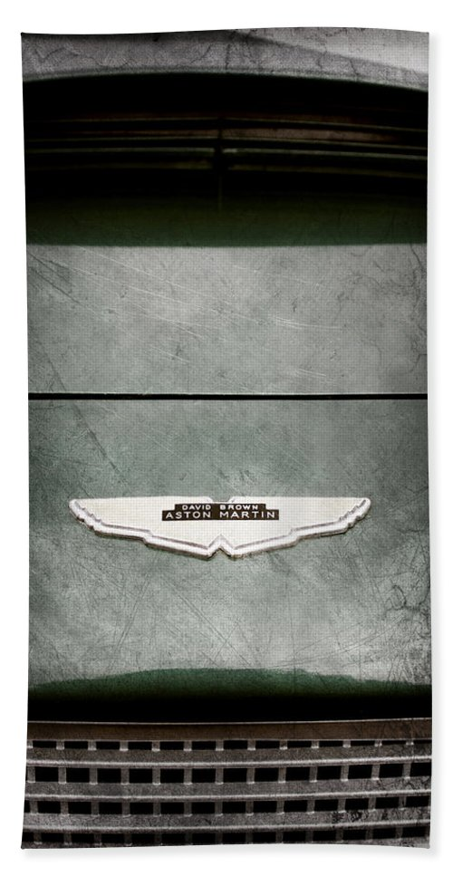 1959 Aston Martin Db4 Gt Hood Emblem Hand Towel featuring the photograph 1959 Aston Martin Db4 Gt Hood Emblem by Jill Reger