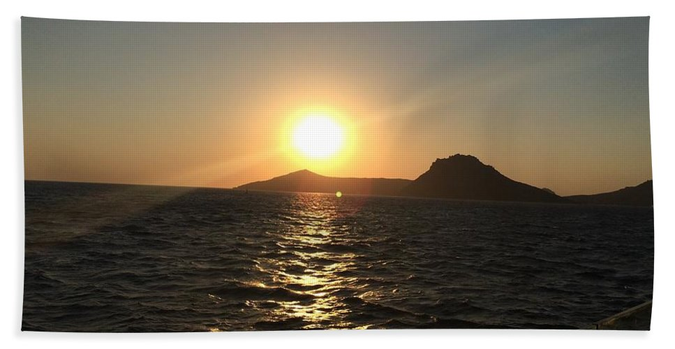 Sun Hand Towel featuring the photograph Sunset by FL collection