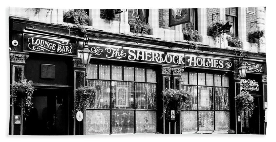 Sherlock Holmes Hand Towel featuring the photograph The Sherlock Holmes Pub by David Pyatt