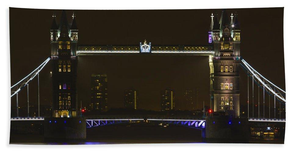 Tower Bridge Bath Sheet featuring the photograph Tower Bridge by David Pyatt