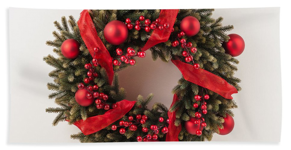 Red Hand Towel featuring the photograph Advent Christmas Wreath by U Schade