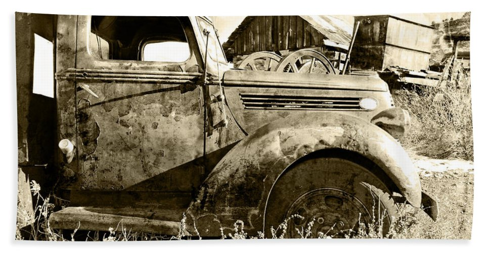 Automotive Bath Sheet featuring the photograph Old Truck by Paul Fell