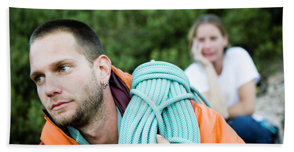 Ahtletes Hand Towel featuring the photograph A Climber Holds Ropes Over Shoulder by Jay Reilly