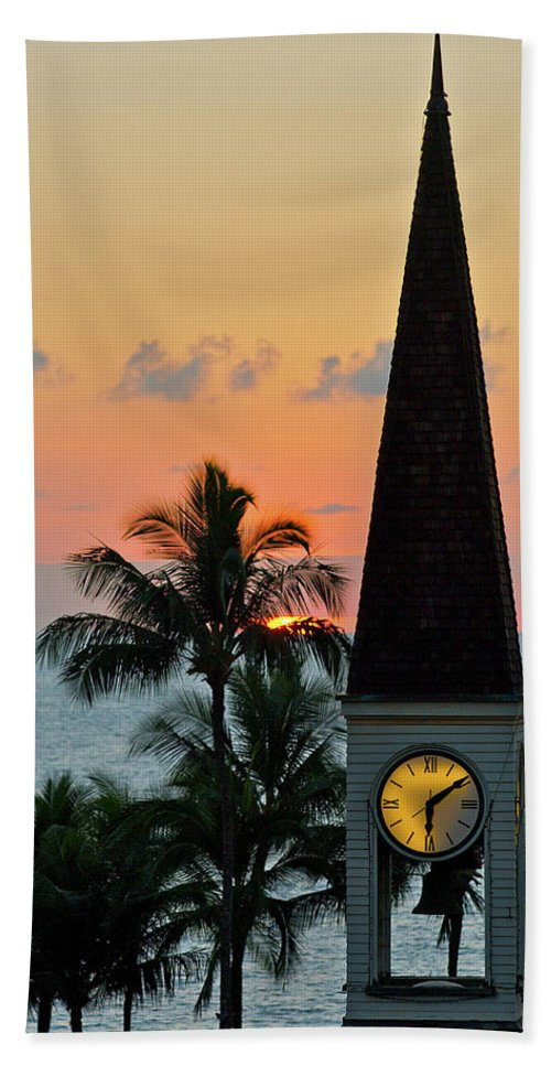 Beach Bath Sheet featuring the photograph A Clock Tower At Sunset On Maui, Hawaii by Celin Serbo