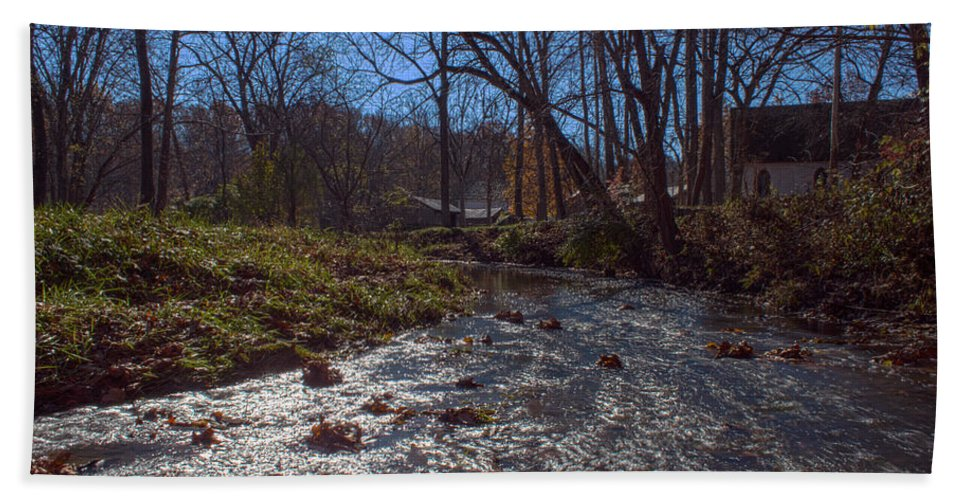 Parke Co Indiana Photographs Hand Towel featuring the photograph A Creek Runs Though It by Thomas Sellberg