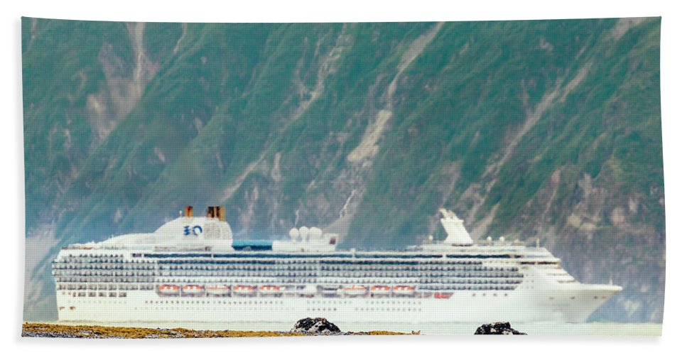 Animals In The Wild Hand Towel featuring the photograph A Cruise Ship Passes By A Wolf Roaming by Andrew Peacock