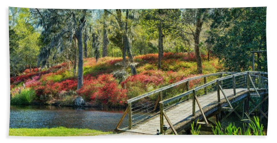 Middleton Plantation Fine Art Bath Sheet featuring the photograph A Delightful Day by Claudia Kuhn