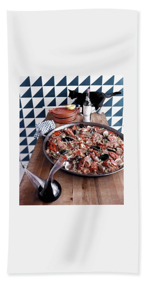 Animal Bath Towel featuring the photograph A Dish Of Paella by Richard Rutledge