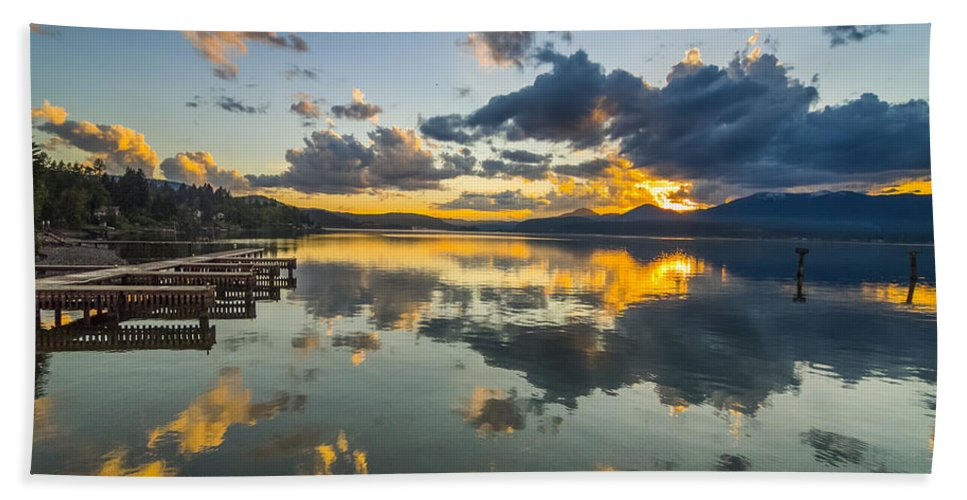 Lake Hand Towel featuring the photograph A Lake Pend Oreille Sunset - 120601a-040 by Albert Seger