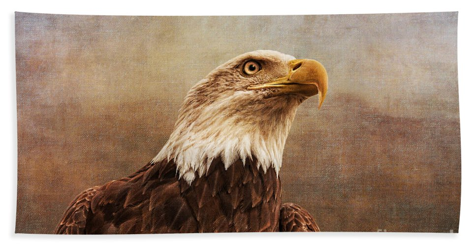 Hunter Hand Towel featuring the photograph A Majestic Creature by Cindy Tiefenbrunn