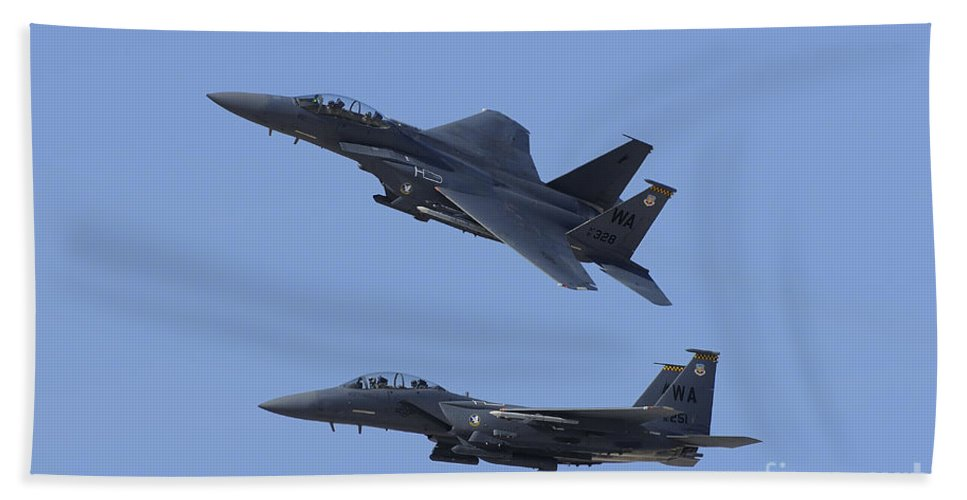 Horizontal Bath Sheet featuring the photograph A Pair Of F-15c Eagle Aircraft Perform by Remo Guidi