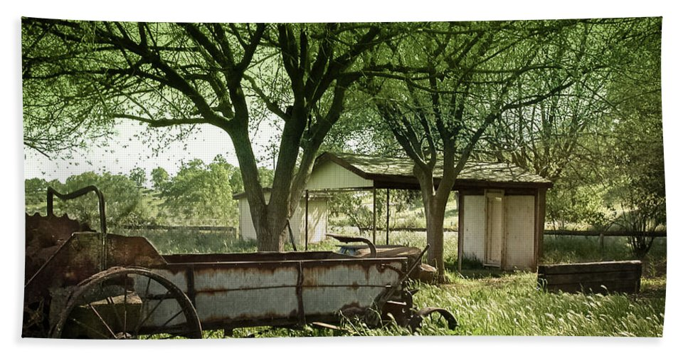 Susan Eileen Evans Hand Towel featuring the photograph A Place In The Shade by Susan Eileen Evans