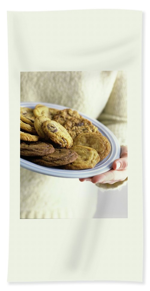Cooking Bath Towel featuring the photograph A Plate Of Cookies by Romulo Yanes