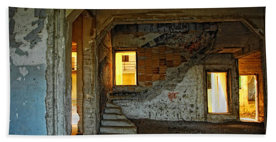 Old Buildings Hand Towel featuring the photograph A Sense Of Abandonment by Donna Blackhall