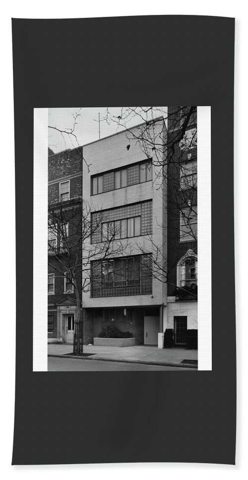 Exterior Hand Towel featuring the photograph A Townhouse Designed By William Lescaze by Samuel H Gottscho and William Schleisner