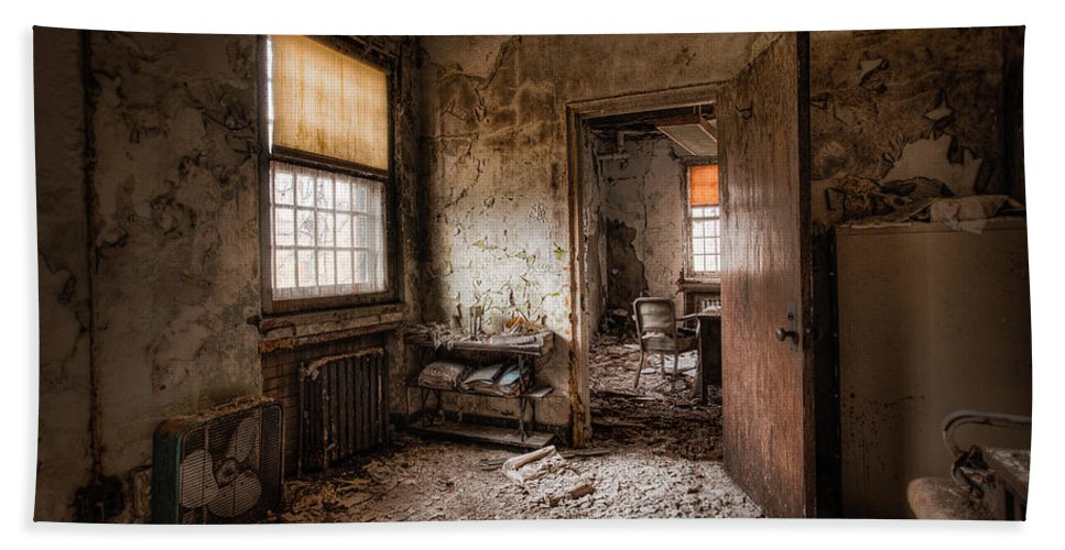 Abandoned Building Bath Sheet featuring the photograph Abandoned Asylum - Haunting Images - What Once Was by Gary Heller