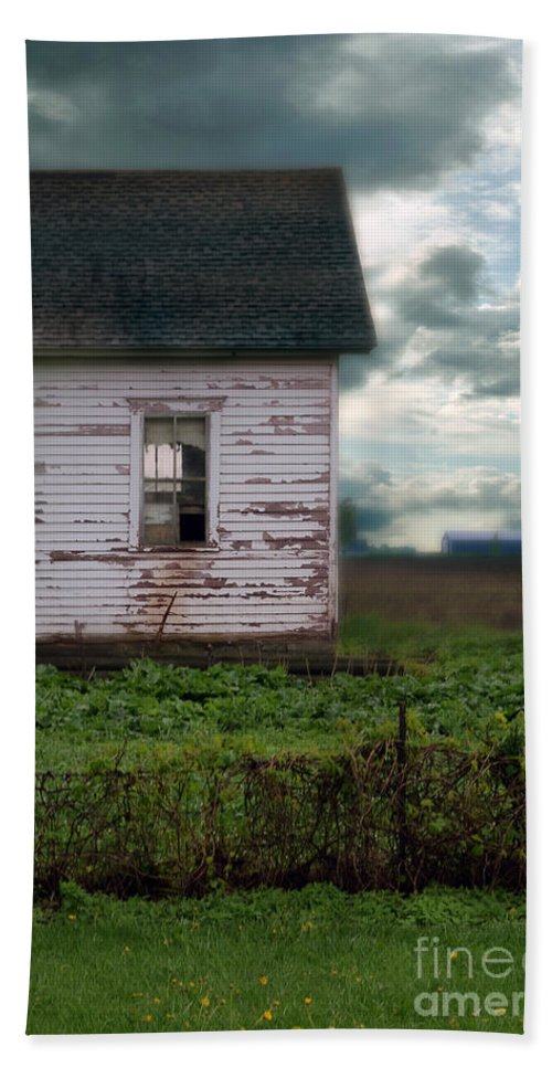 Farm Hand Towel featuring the photograph Abandoned Building In A Storm by Jill Battaglia