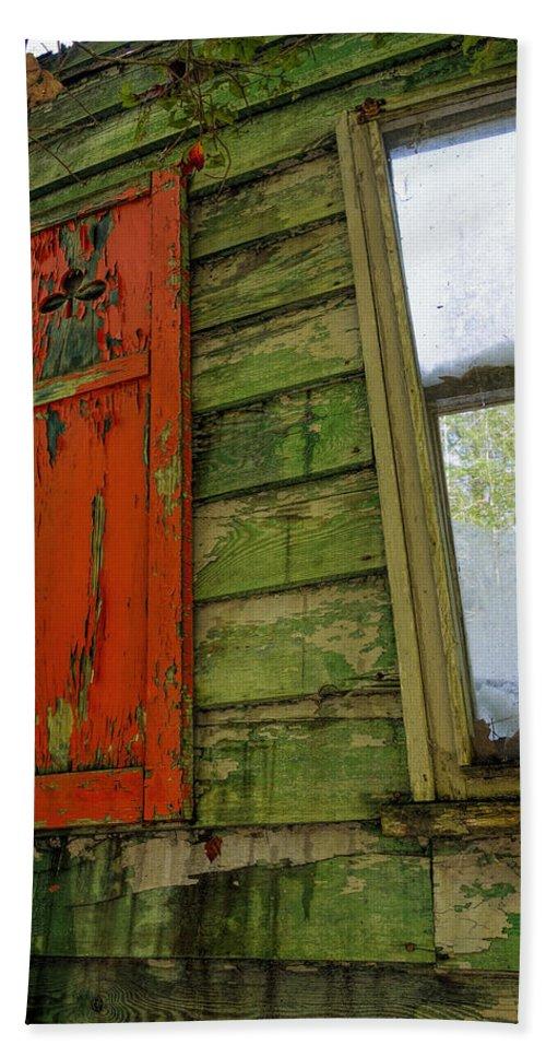 Abandoned Cabin Elkmont Bath Sheet featuring the photograph Abandoned Cabin Elkmont - Coming Down Clover by Rebecca Korpita