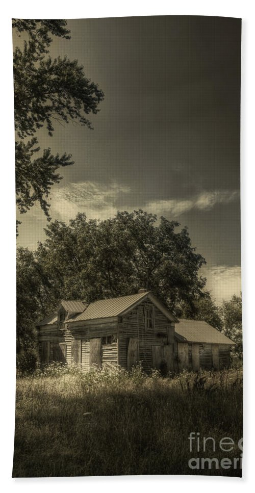 House; Home; Small; Farm House; Boarded; Boards; Wood; Falling Apart; Weeds; Grasses; Trees; Secluded; Abandoned; Desolate; Closed; Dark; Darkness; Ominous; Foreboding; Mystery; Mysterious; Deserted Hand Towel featuring the photograph Abandoned Homestead by Margie Hurwich