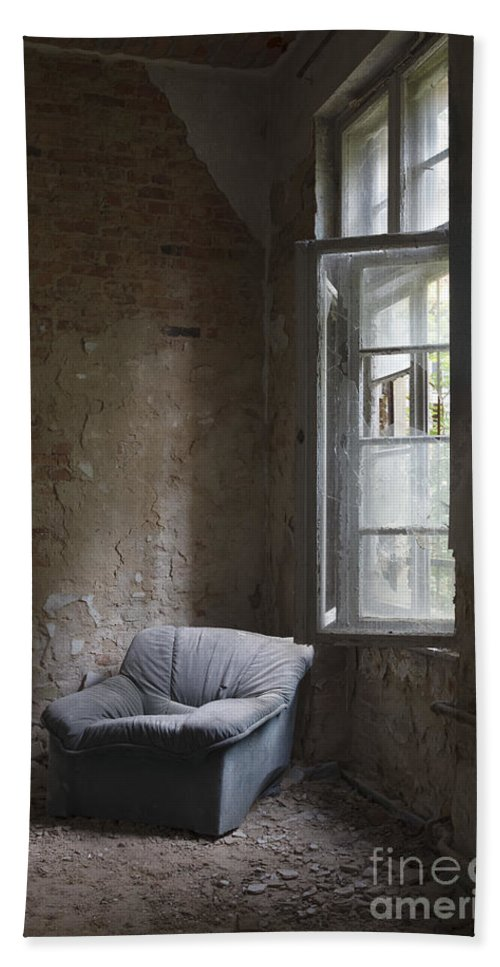 Abandoned Bath Sheet featuring the photograph Forgotten Room by Julie Woodhouse