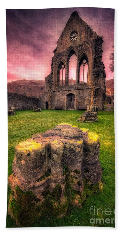 13th Century Bath Sheet featuring the photograph Abbey Ruin by Adrian Evans