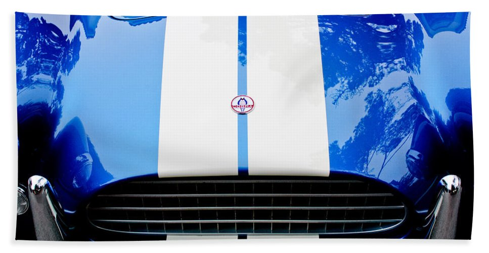 Ac Shelby Cobra Grille - Hood Emblem Hand Towel featuring the photograph Ac Shelby Cobra Grille - Hood Emblem by Jill Reger