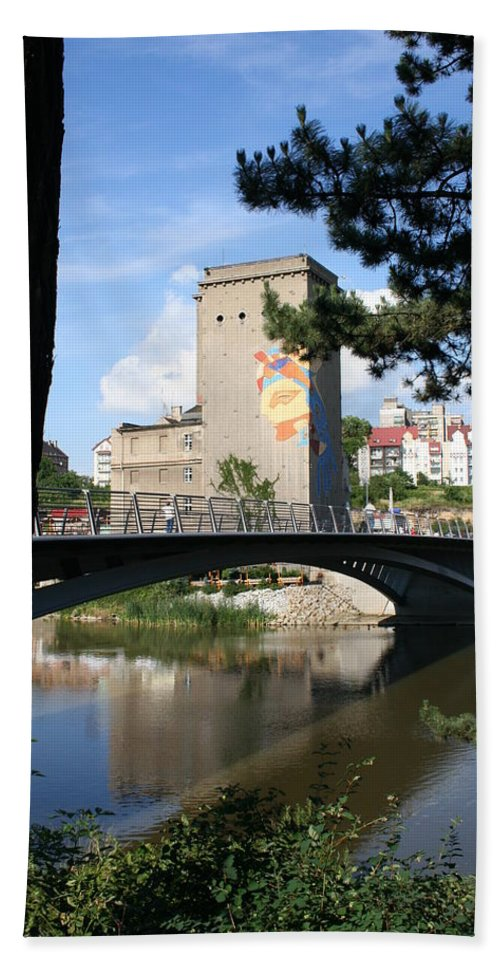 Bunker Hand Towel featuring the photograph Across The River by Christiane Schulze Art And Photography