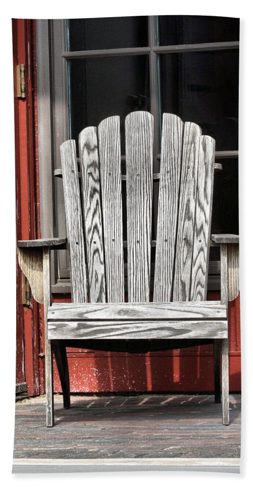 Adirondack Chair Bath Sheet featuring the photograph Adirondack Chair by Ely Arsha