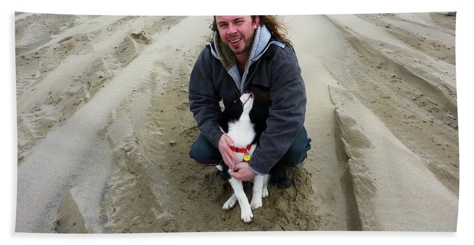 Dog And Master On The Beach Bath Sheet featuring the photograph Adoring Look by Susan Garren