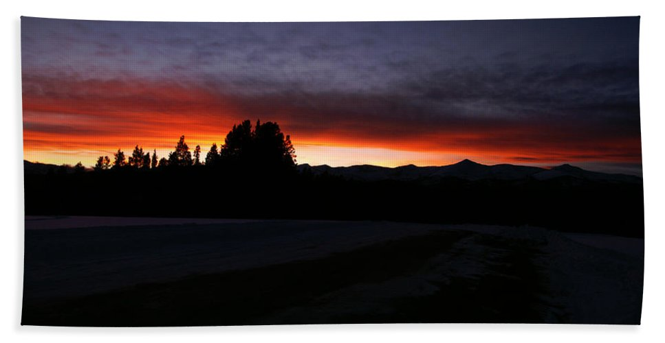 Sunsets Hand Towel featuring the photograph After The Storm by Jeremy Rhoades