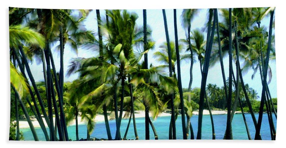 Hawaii Bath Sheet featuring the photograph Afternoon At Kakaha Kai by Kurt Van Wagner