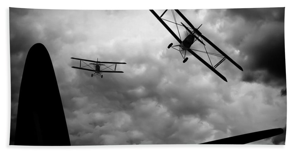 Airplane Bath Sheet featuring the photograph Air Pursuit by Bob Orsillo