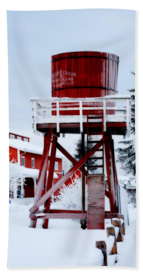 Red Hand Towel featuring the photograph Alaskaland Train Station by Kathy Sampson