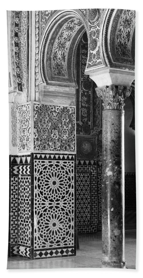 Black And White Hand Towel featuring the photograph Alcazar Column Arches And Tile by Greg Matchick