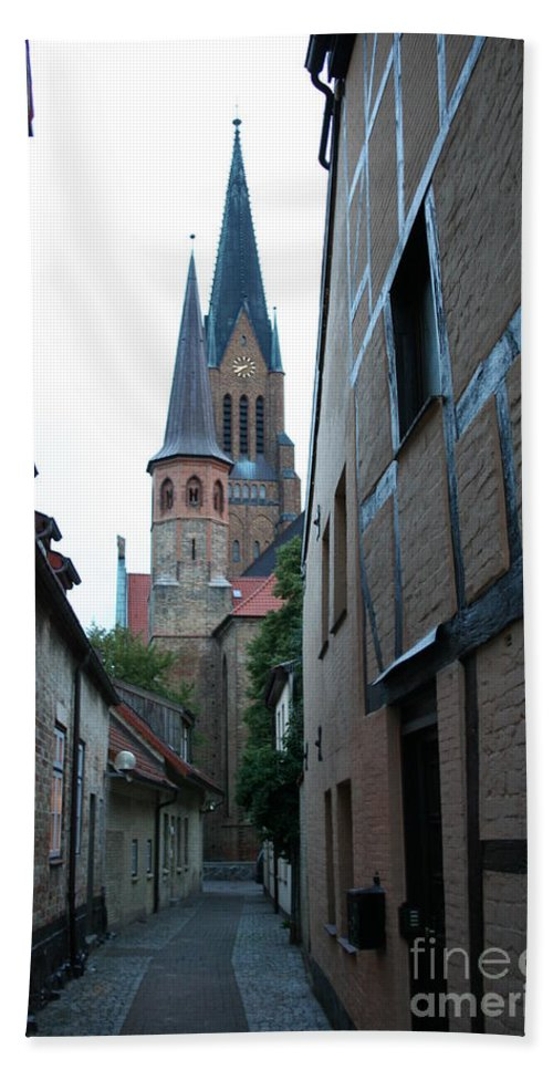 Alley Bath Sheet featuring the photograph Alley In Schleswig - Germany by Christiane Schulze Art And Photography