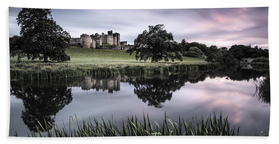 Alnwick Castle Bath Sheet featuring the photograph Alnwick Castle Sunset by Dave Bowman