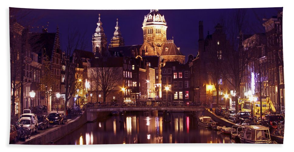 Architectural Hand Towel featuring the photograph Amsterdam In The Netherlands By Night by Nisangha Ji