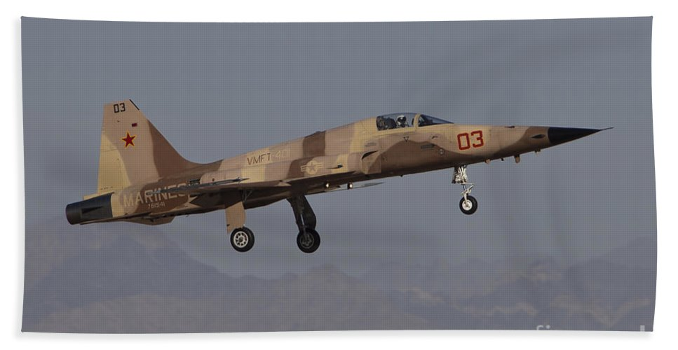 Horizontal Bath Sheet featuring the photograph An F-5n Aggressor Aircraft Of The U.s by Timm Ziegenthaler